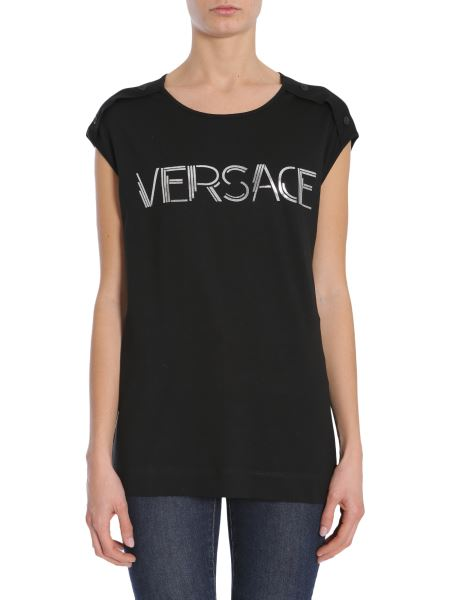 be5af7339ef66 ... women / clothing / tops. Versace - Top Oversize Con Stampa Logo