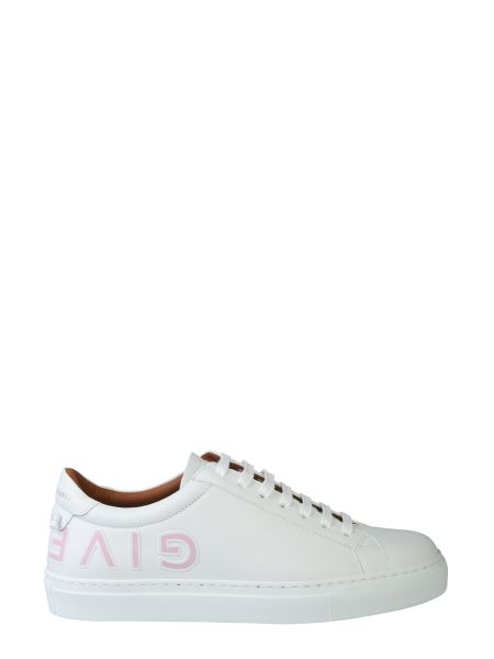Givenchy - Urban Street Leather Sneaker