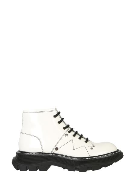 Alexander Mcqueen - Leather Boots With Laces And Tread Sole